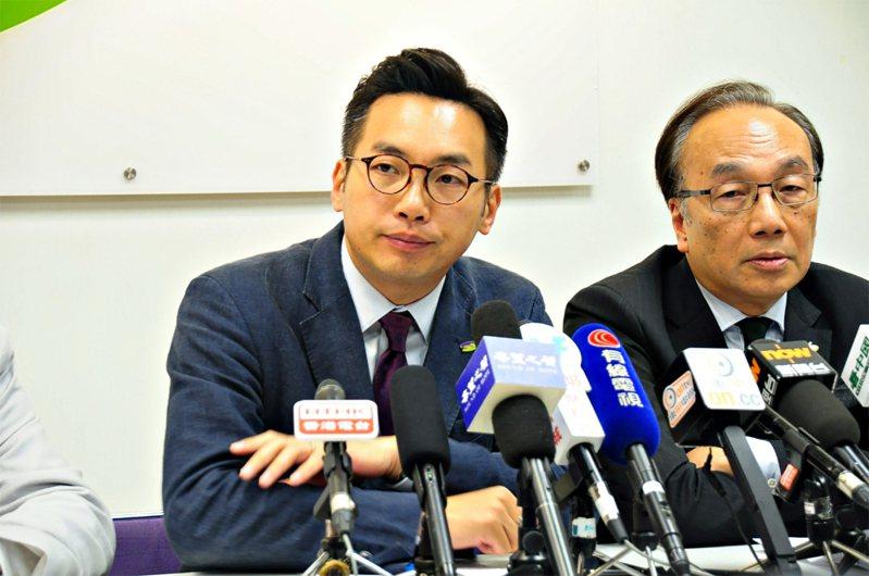 公民黨核心成員楊岳橋(左)。中央社