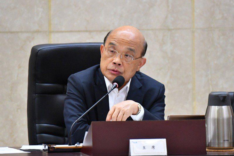 行政院長蘇貞昌已向總統蔡英文報告110年中央政府總預算籌編狀況,明年總預算歲入與歲出約在新台幣2兆元上下。 中央社