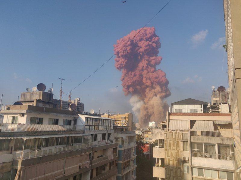黎巴嫩首都貝魯特4日發生大爆炸。路透