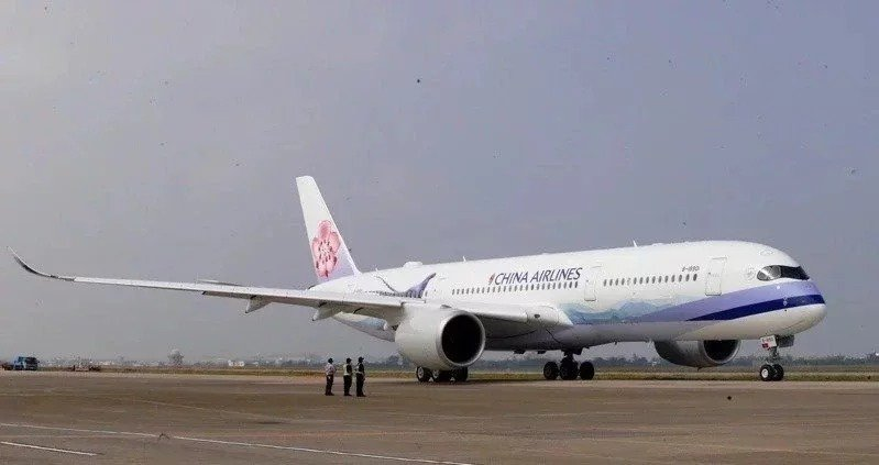華航(2610)公布第2季財報,儘管新冠疫情衝擊全球航空市場,甚至不少航空公司都申請紓困,但靠著貨運運價大漲挹注,意外繳出獲利成績。圖/華航提供