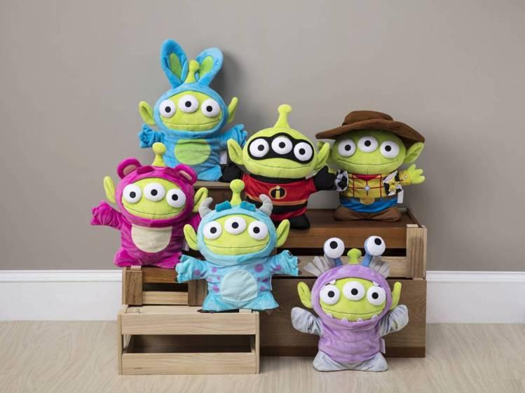 HOLA特力和樂8/6至8/26獨家推出六款變裝三眼怪玩偶,每款原價1,590元...