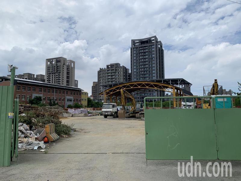 國立新竹特殊教育學校位於新竹縣竹北市高鐵特區內,校旁一塊約0.45公頃土地長期閒置。記者陳斯穎/攝影