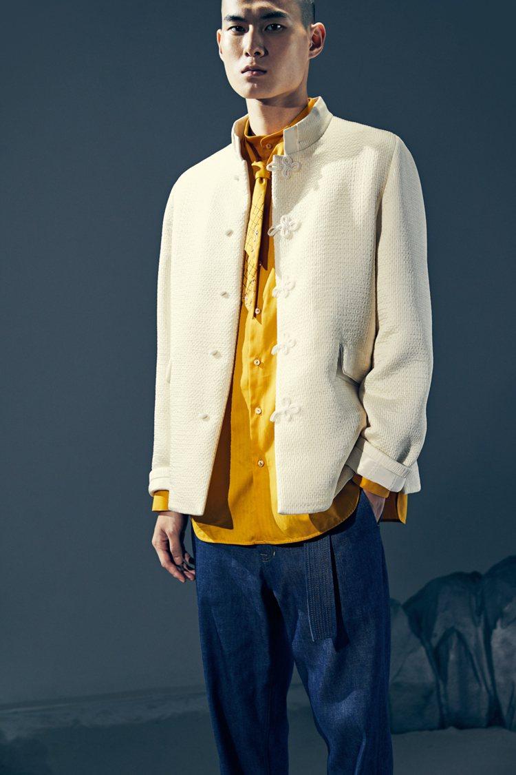 秋冬男裝以經典輪廓混搭多元材質。圖/夏姿提供