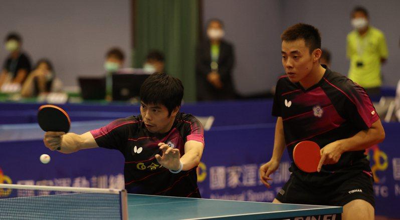 莊智淵(左)和陳建安男雙重新合體。圖/國訓中心提供