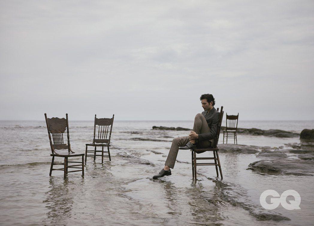 鳳小岳透露27遂時覺得自己老,現在32歲反而覺得自己年輕。圖/GQ提供