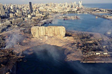 黎巴嫩一夜無明:貝魯特大爆炸後...30萬人失去家園與全國斷糧危機