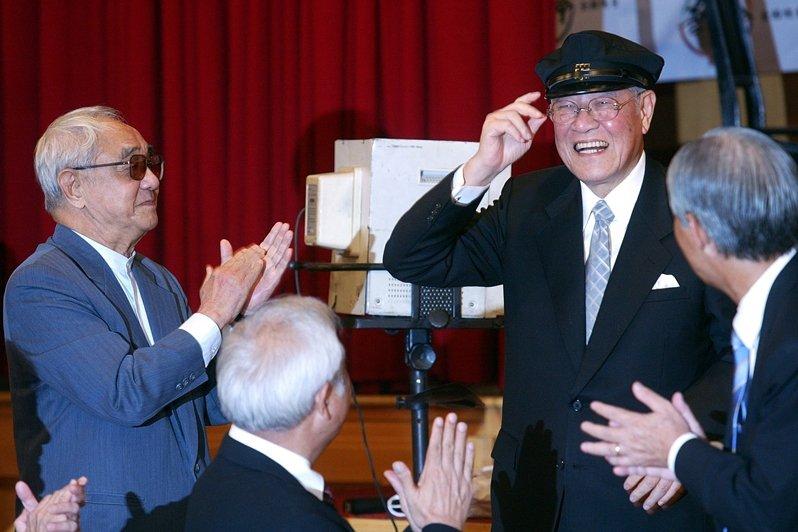 李登輝曾遠赴京都大學農學部就讀。圖為李登輝戴上早期京都大學學生帽。 圖/聯合報系資料照