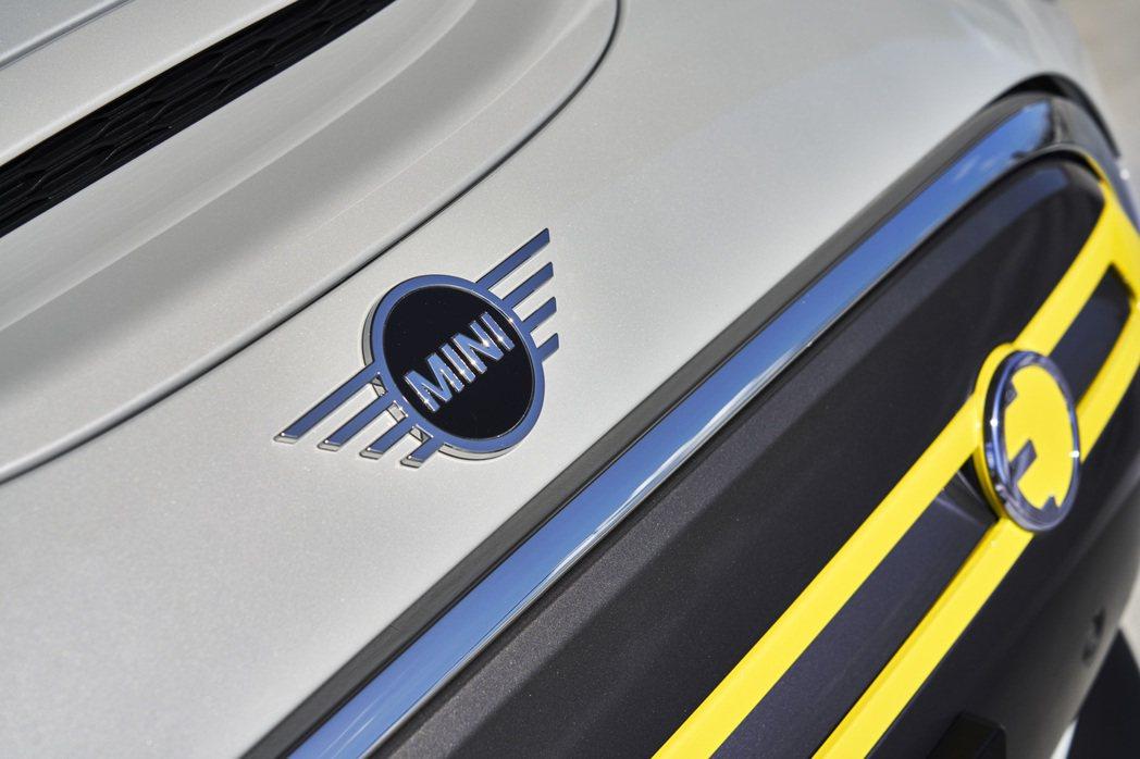 MINI Cooper SE在去年首發後,目前英國牛津廠的累積產量已破11,00...