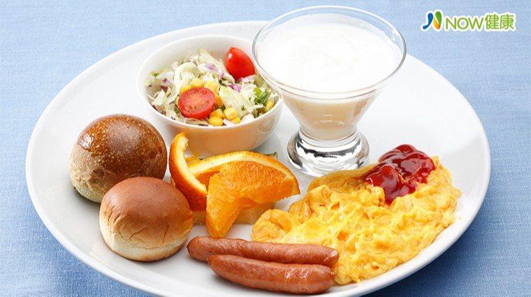 ▲劉香蘭表示,吃早餐有助健康,但如果吃得過於精緻,則可能影響血糖。(圖/ingi...