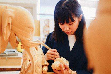 李品誼從台灣藝術大學畢業後,赴日學習文物修復,進入東京藝術大學教授籔内佐斗司的麾下,今年已是第七年。 圖/Jiunjiun攝影