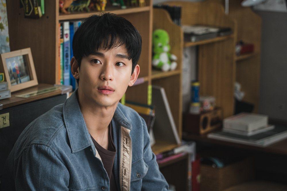 金秀賢在「雖然是精神病但沒關係」擔任男主角。圖/Netflix提供