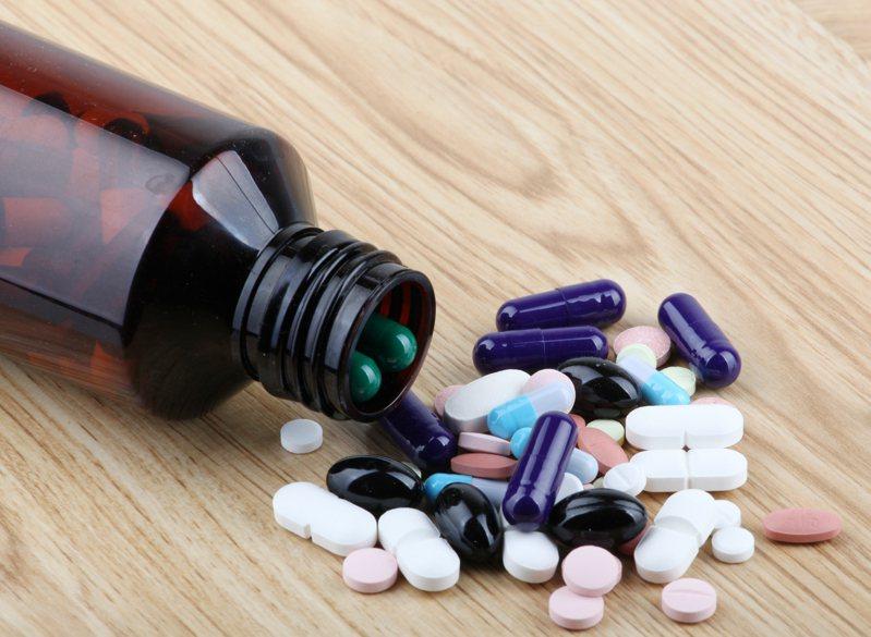 友華集團子公司友霖生技(4166)今(15)日宣布擴大與美國Supernus藥廠(Nasdaq:SUPN)的合作,繼抗癲癇和偏頭痛藥物Trokendi之後,今年再獲Supernus技轉生產旗下SPN-812治療過動症505(b)(2)的新藥,該藥為雙方第二項合作案。示意圖/ingimage