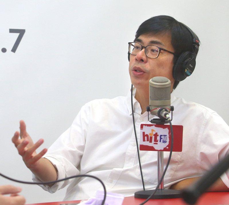 民進黨高雄市長補選候選人陳其邁,上午在台北接受廣播電台專訪,提到高雄目前失業率等問題。記者林澔一/攝影