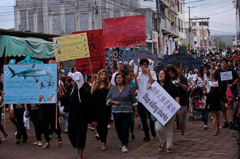 2017年中國漁船事件曾引發厄瓜多爾居民接連抗議。(Getty Image)