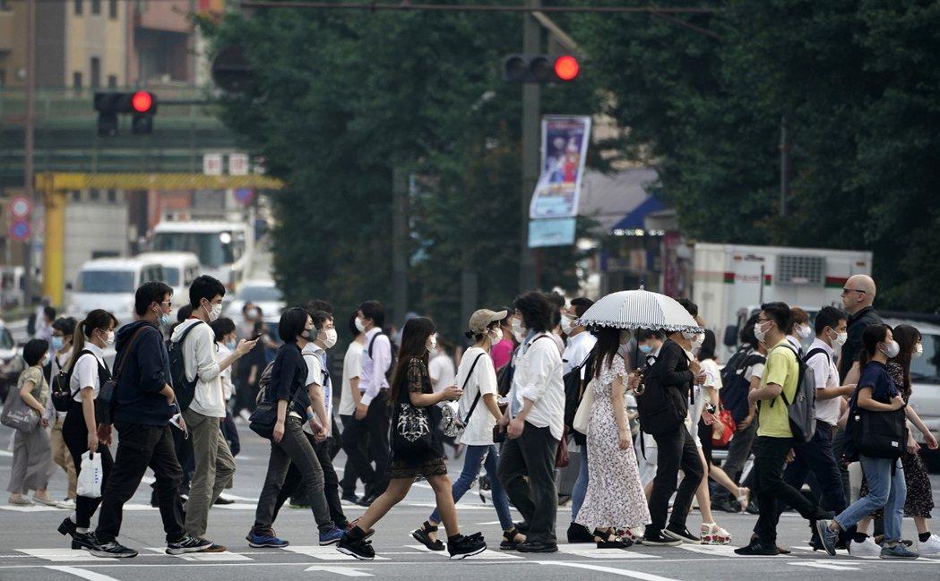 日本昨天新增1484例新冠肺炎(2019冠狀病毒疾病,COVID-19)確診,連...