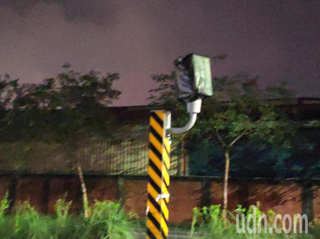 緊臨南科的這座測速照相桿將啟用,限速70公里。記者謝進盛/攝影