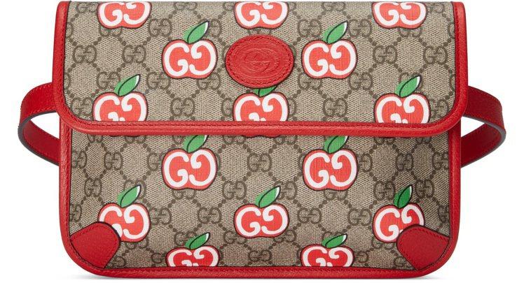 雙G蘋果印花腰包,32,500元。圖/GUCCI提供
