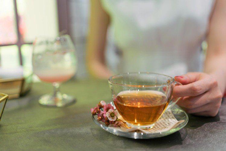 DARPHIN朵法&叁食Café合作,打卡並標記,就送Mariage Frère...