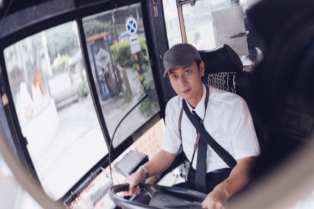 劉冠廷特地到大客車駕訓班密集訓練3天。圖/牽猴子提供