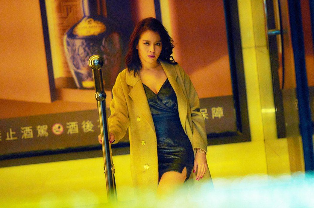 劉品言在「最後一戰」中飾演嗆辣的酒店小姐。圖/衛視中文台提供