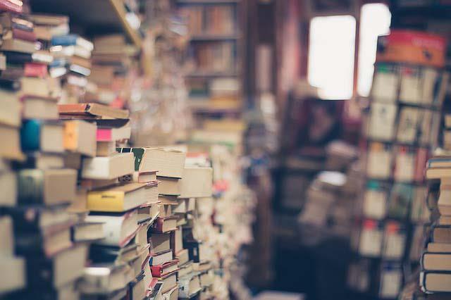 書籍本身並不會造成家屋內的混亂,亂的原因是:「不願受規範,不願時時物歸原處。」 ...