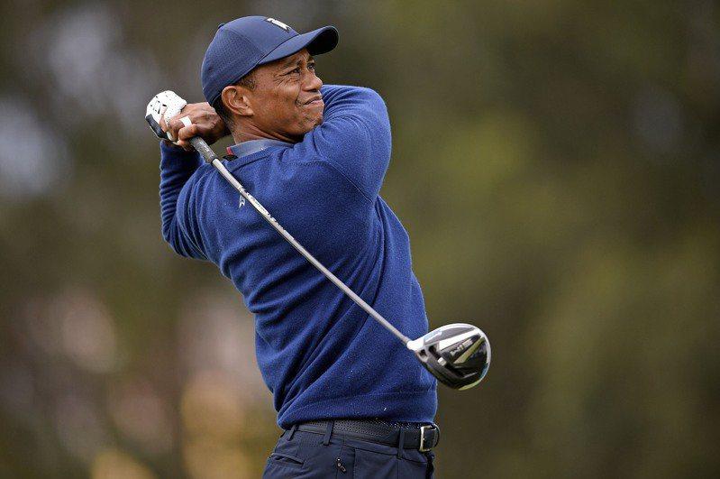 高球年度第一場大滿貫PGA錦標賽今天登場,前球王老虎伍茲(Tiger Woods)換了新推桿,在第一輪揮出68桿,並列第20名。 路透社
