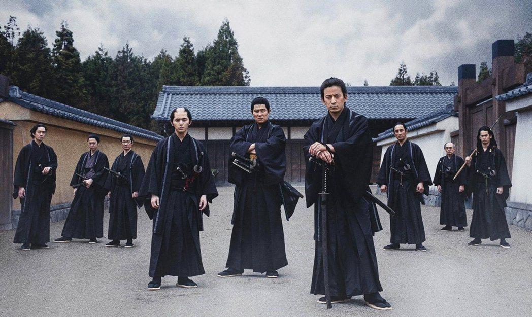 新選組這個今天看來好像是日本武士代表的存在,在過去的皇國史觀時代,其實一直被視為...