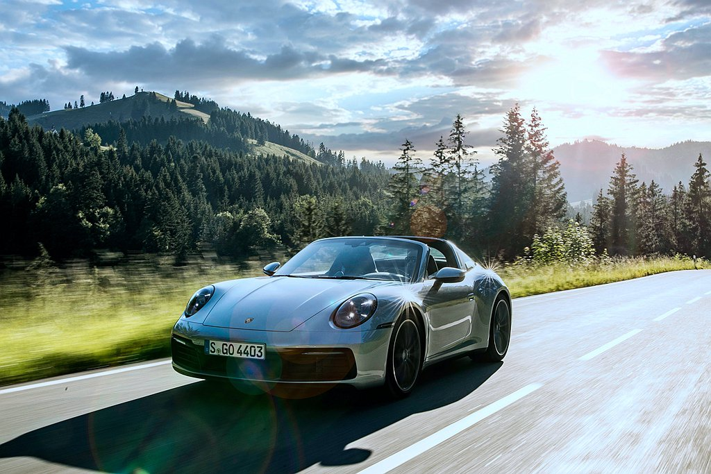 好消息是品牌標誌性雙門跑車保時捷911車系,則有16,919輛不俗的銷售表現,相...
