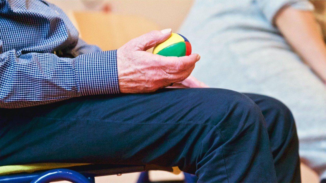 答案在於心態,即老年人如何看待健康。對許多人來說,健康不僅意味沒有疾病,更重要的...