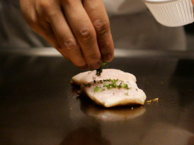 香煎白帶魚,跟著季節吃有夠鮮。 圖/蕭涵 攝影