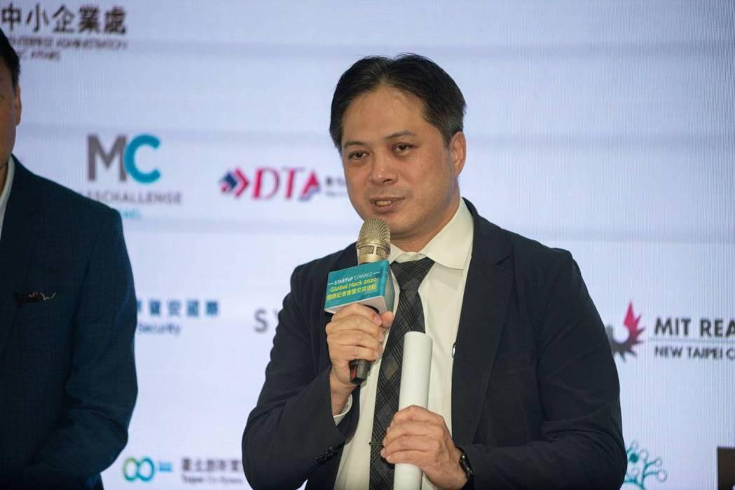 新北市副市長吳明機。