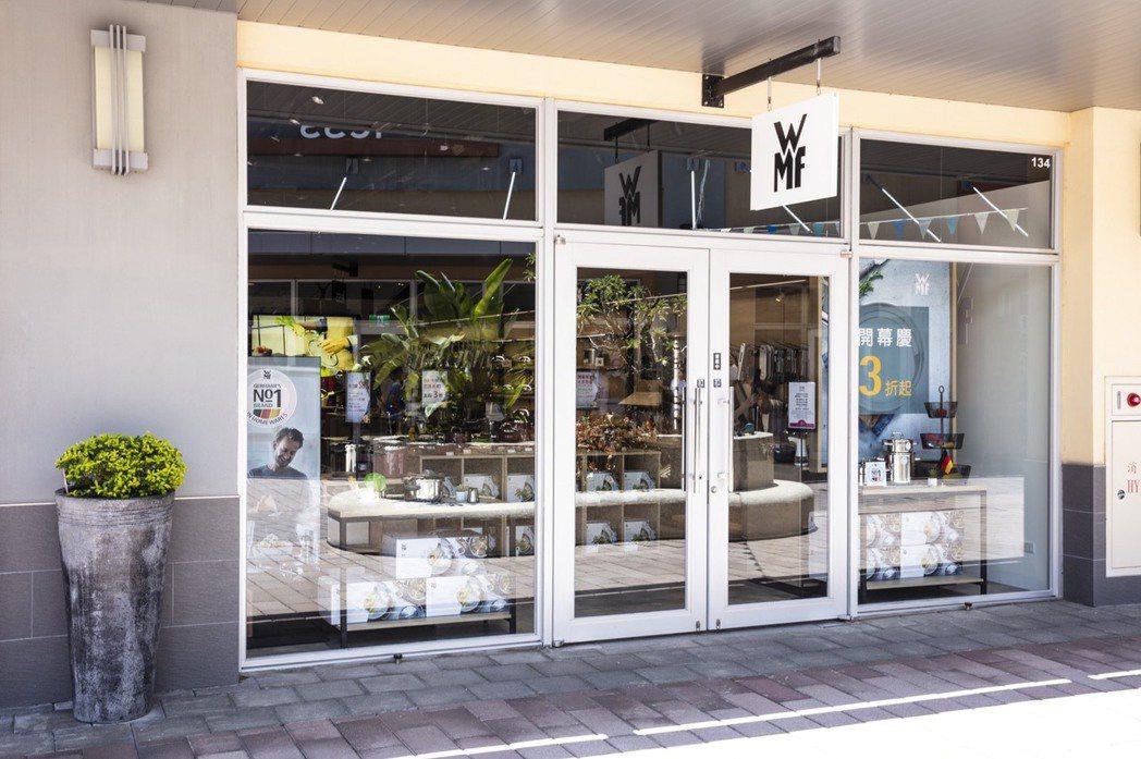 WMF Outlet店近40坪的空間內,完整引飲全系列品項,款式豐富齊全。WMF...