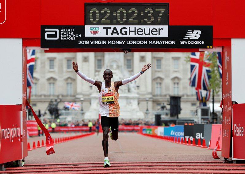 2020年倫敦馬拉松將在實施安全防疫措施下進行菁英賽,不開放群眾參與。 路透社