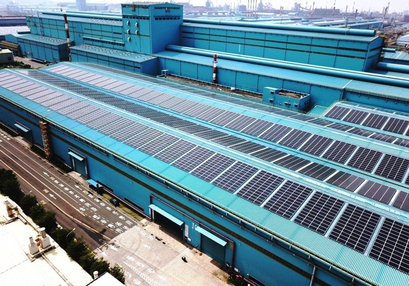 中鋼公司第三冷軋廠區太陽光電工程建置。圖/中鋼提供