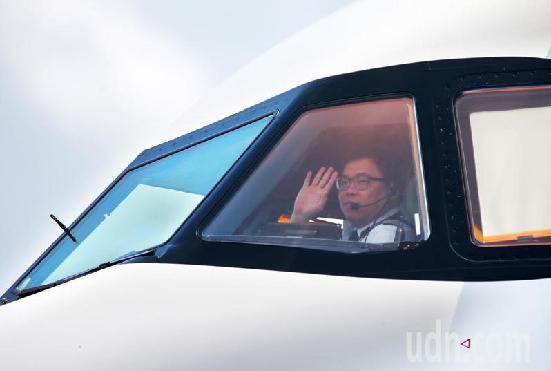 星宇「煒」出國上午出發,由K董張國煒親自執飛。記者鄭超文/攝影