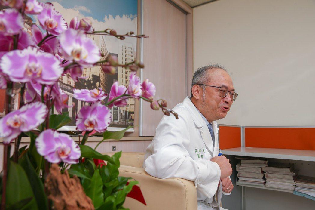 台大醫院院長吳明賢的研究成果應用,收到極好成效。過去數十年,台灣消化性潰瘍發生減...