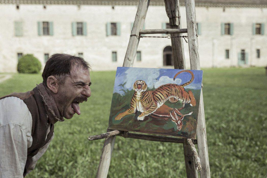 《隱藏的畫家》坎城影帝驚人詮釋20世紀奇才安東尼奧利加布。捷傑提供