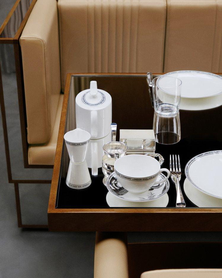 Thomas's Cafe透過社群媒體訂位,提供午茶餐點。圖/BURBERRY提...