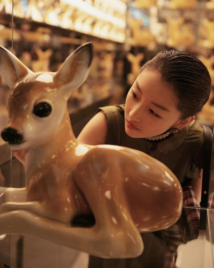Thomas's Cafe也以BURBERRY的小鹿斑比為裝飾。圖/取自IG