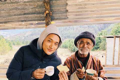登上5000多公尺高山拍攝的暖心電影「不丹是教室」(Lunana: A Yak in the Classroom),奇蹟在台灣上映三周開出462萬台幣好票房,本周末並將挺進五百萬大關。該片由不丹知名...