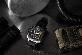 CP值超高!陶瓷表圈、深潛達300米 熱門潛水表元素CLUBMASTER DIVER PRO都有了