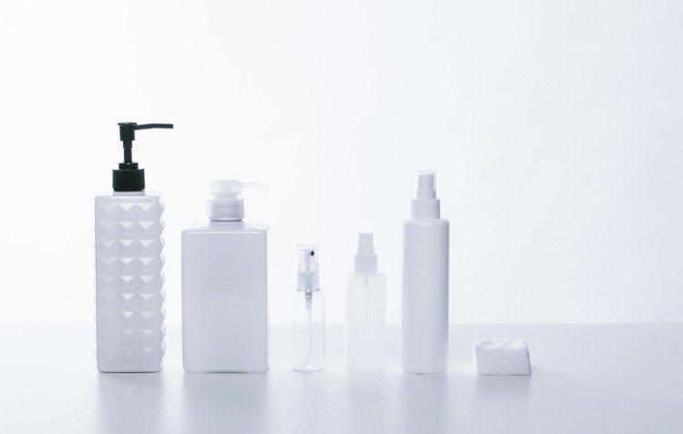 保養品,最好的保存就是避免陽光直射。圖/摘自pakutaso