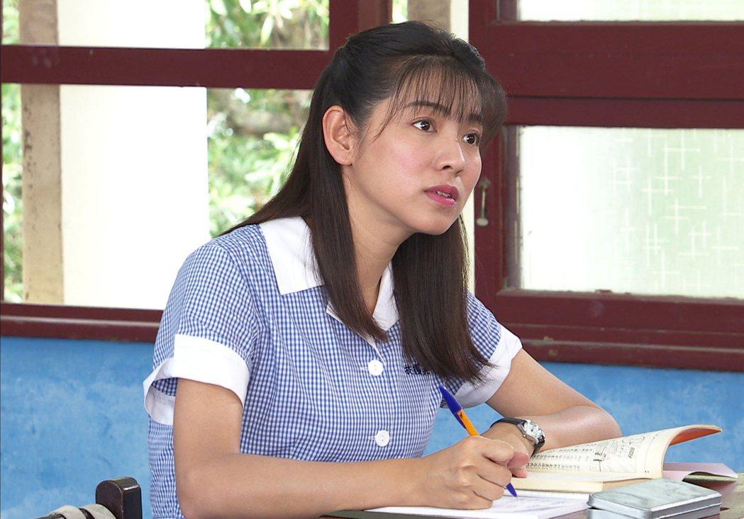 米可白在「生生世世」戲中進校園。圖/台視提供