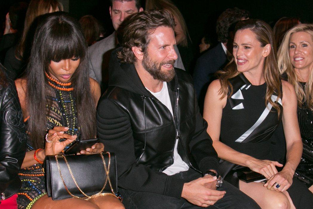 布萊德利庫柏與珍妮佛嘉納曾一起出席巴黎時裝周活動。圖/達志影像