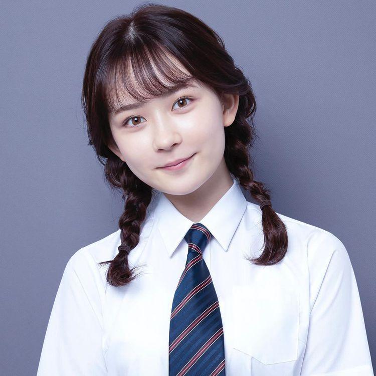 畑芽育飾演須藤百百子。圖/擷自instagram