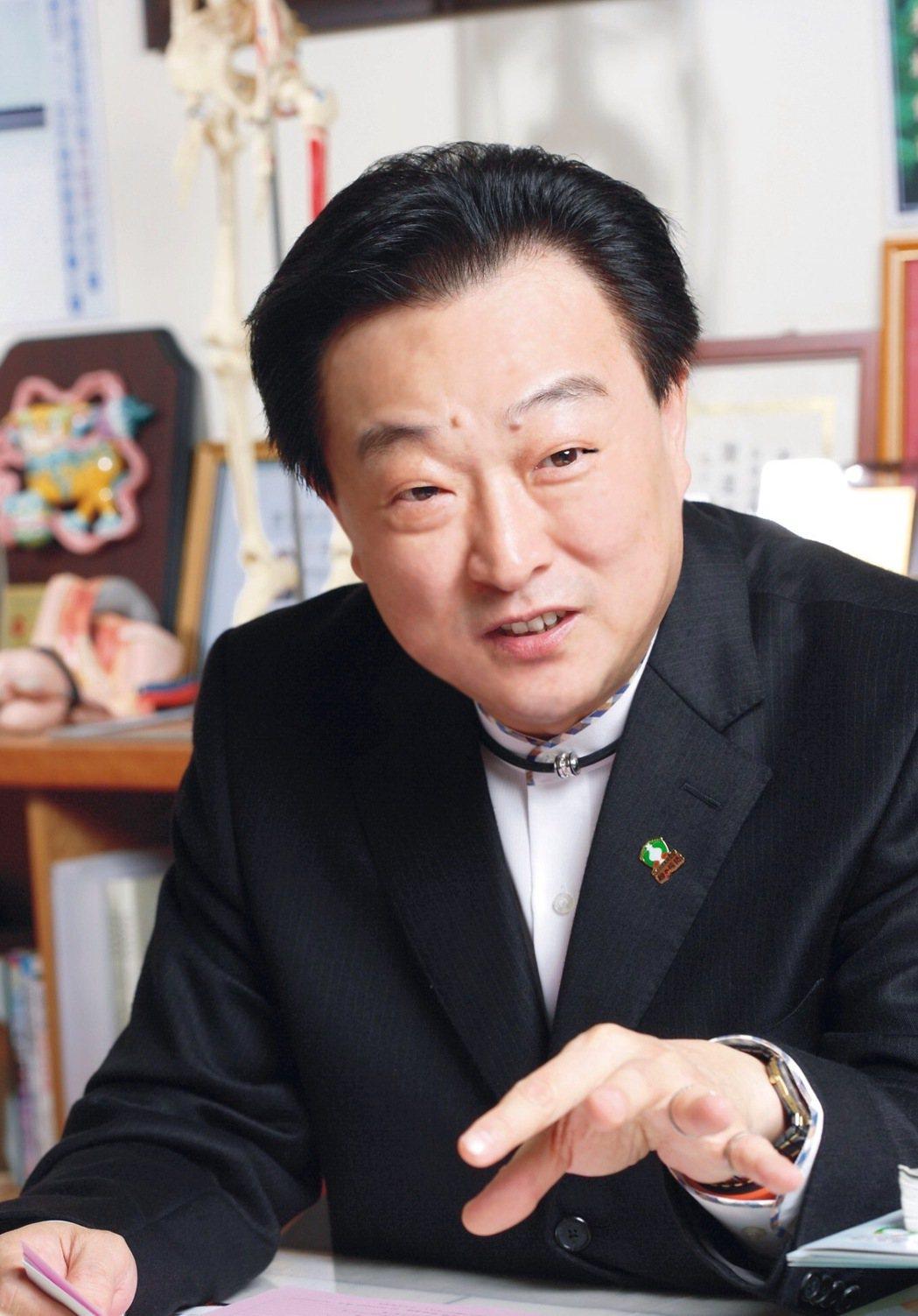 紅崴科技集團董事長謝進興。 紅崴科技/提供