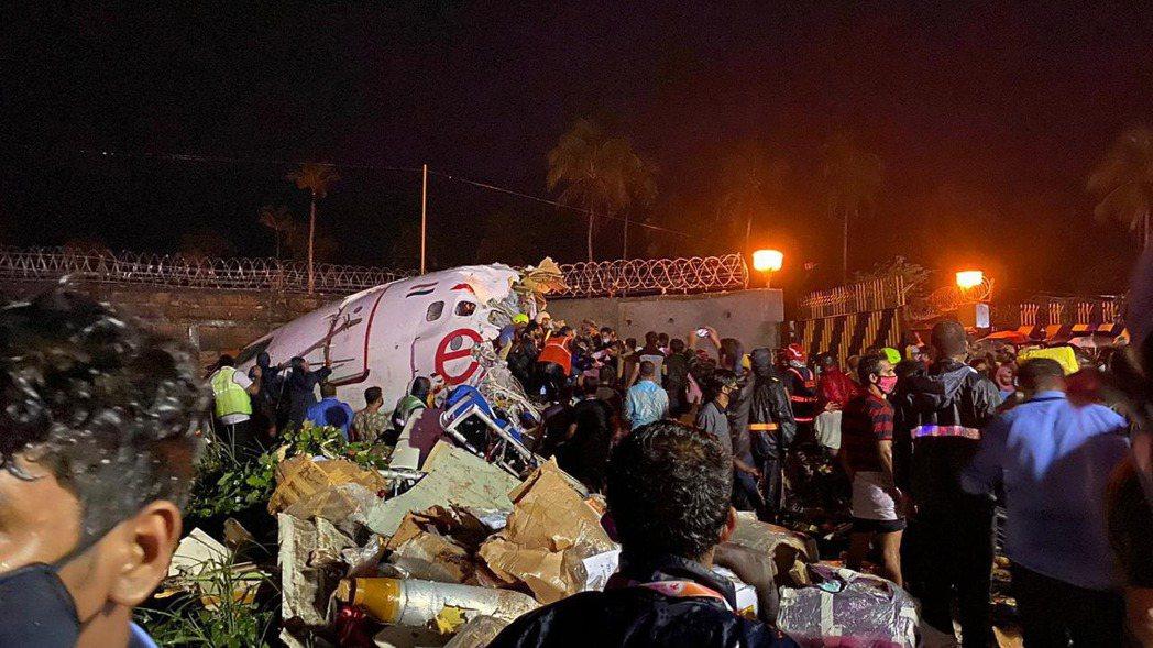 印度10年來最嚴重客機事故。歐新社