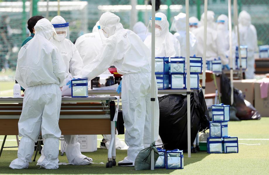 截至凌晨零時,2019冠狀病毒疾病(COVID-19,新冠肺炎)新增34人染疫,...