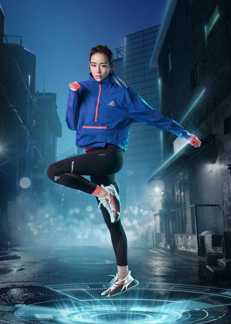 品牌代言人張鈞甯詮釋adidas X9000 L4跑鞋。圖/adidas提供
