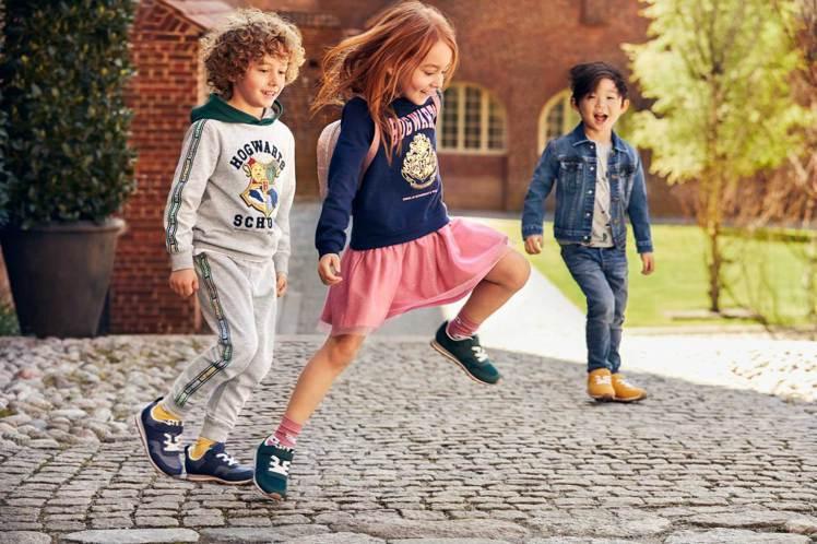 H&M與Harry Potter合作,創造了多款既萌又讓人懷念的童裝。圖/H&M...